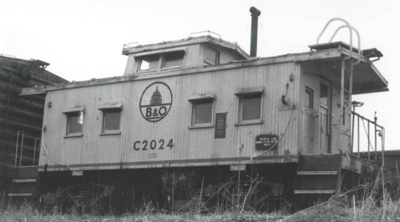 4 window I-5 caboose